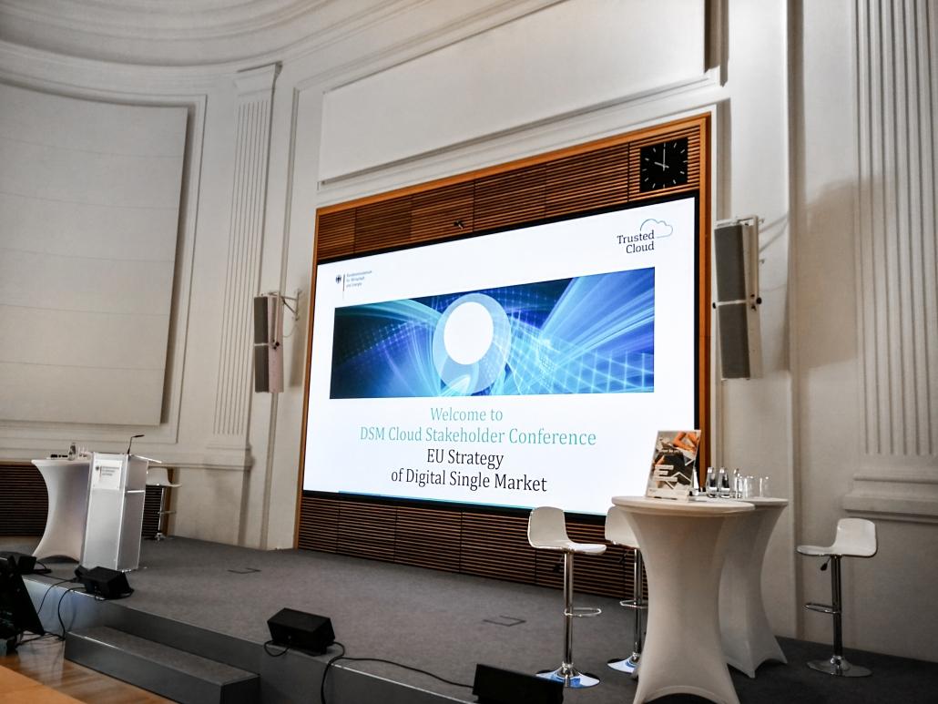 DSM Cloud Stakeholder Conference - Bühne im Veranstaltungsraum